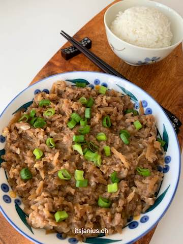 chinese steamed pork patty