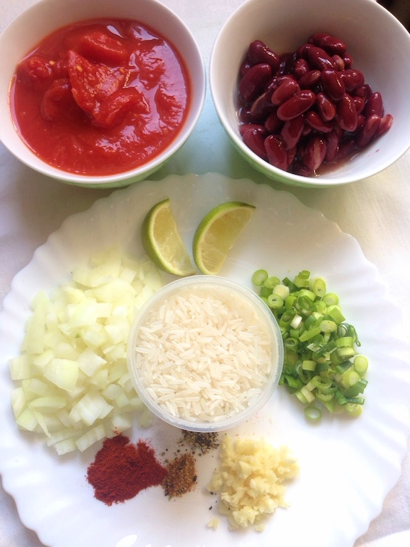 ingredients needed to make this spicy vegan chilli